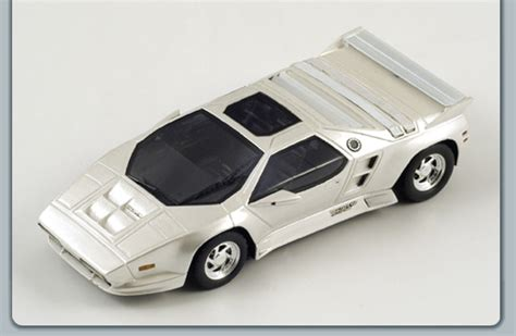 Spark: 1992 Vector W8 - Pearl White (S0797) in 1:43 scale ...