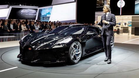 La voiture noire is a tribute to bugatti's own history, a manifesto of the bugatti aesthetic and a piece of automotive haute couture. Bugatti La Voiture Noire remembers the missing Type 57 SC ...