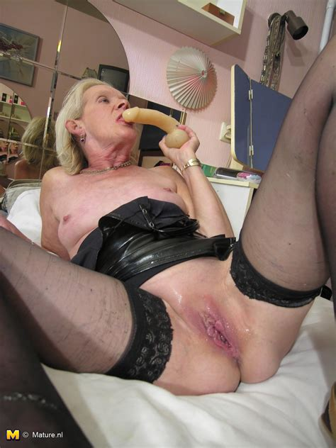 This dutch Slut Loves For You To See Her Wet Pussy