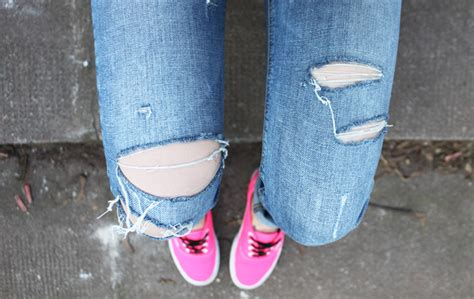 Outfit neon pink vans and ripped jeans. u2013 Hoard of Trends u2013 Personal Style u0026 Fashion Blog ...
