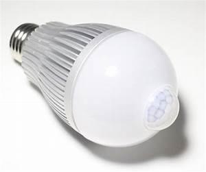 Lampe Détecteur De Mouvement Intérieur : ampoule led 7w avec dtecteur de mouvement ~ Dailycaller-alerts.com Idées de Décoration