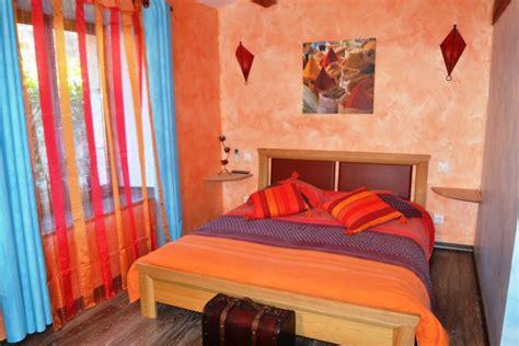 chambre dans chateau chambre d hôte harmonieuse et colorée avec vue sur le