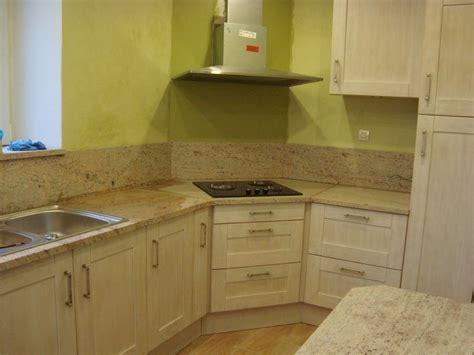 cuisine peinte en vert ophrey com couleur peinture vert amande prélèvement d