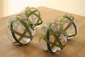 Boule En Papier : deco boule de noel a fabriquer visuel 2 ~ Teatrodelosmanantiales.com Idées de Décoration