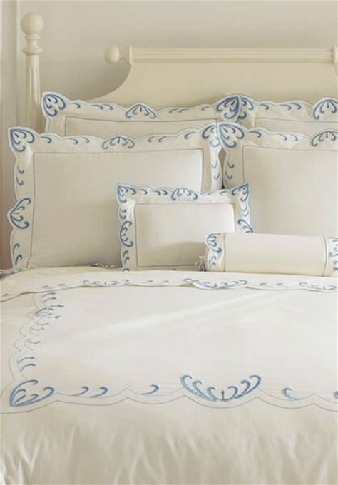 Léron  Waves  Bespoke Bed Linens