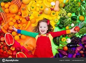 Gemüse Für Kinder : gesundes obst und gem se ern hrung f r kinder stockfoto ~ A.2002-acura-tl-radio.info Haus und Dekorationen