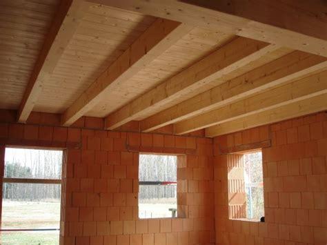 Doppelhaus Mit Holzbalkendecke
