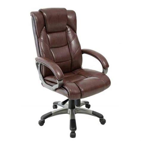 fauteuil de bureau cuir marron fauteuil de bureau en cuir le monde de léa