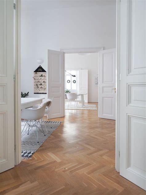 Wohnung Kaufen Wien by Ein Altbau Traum In Wei 223 Zu Besuch Bei Traumzuhause In