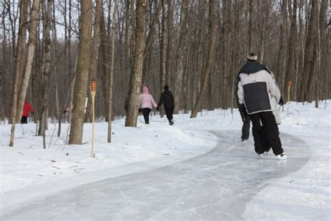 parc r 233 gional bois de rivi 232 re patinage tourisme laurentides