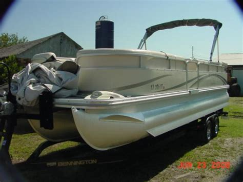 Bennington Pontoon Boats Factory by 2004 Bennington 2575rl Tri Pontoon Boat