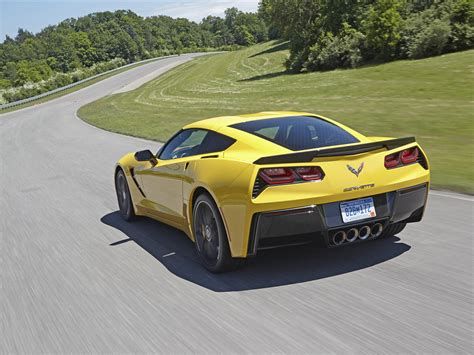 Chevrolet Corvette C7 Stingray 2018 Exotic Car Wallpapers