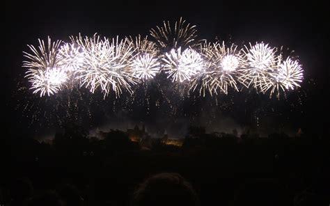 siege lit carcassonne citadel of fireworks tootlafrance