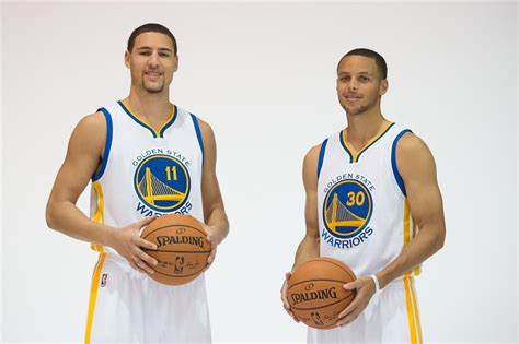 Klay Thompson identifies himself as Stephen Curry at a ...