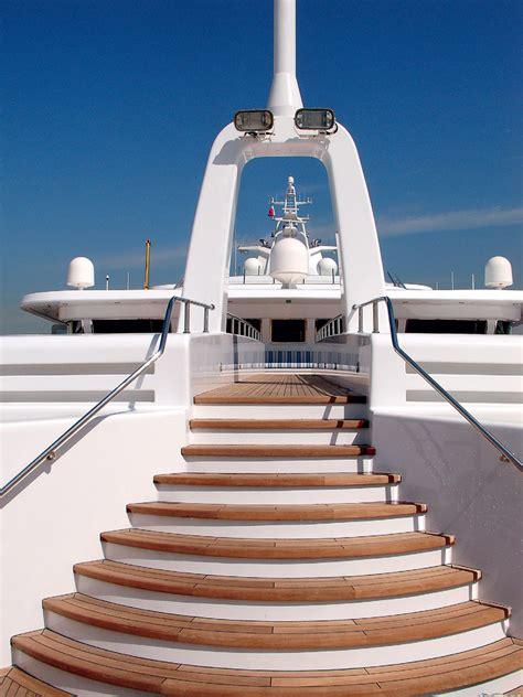 Big Boat Dubai by Platinum Yachts Dubai Yachts International