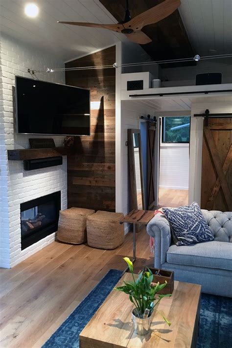 Winzige Häuser Tiny Houses a stunning tiny house on wheels by tiny heirloom called