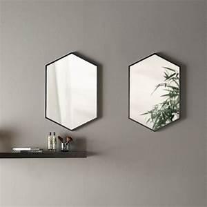 Miroir Metal Noir : miroir hexagonal en m tal noir mat l50xh75 cm hexa ~ Teatrodelosmanantiales.com Idées de Décoration