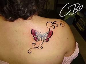 Tatouage Femme Epaule Discret : photos de tatouage avec animaux faits chez c bo auray bretagne ~ Melissatoandfro.com Idées de Décoration
