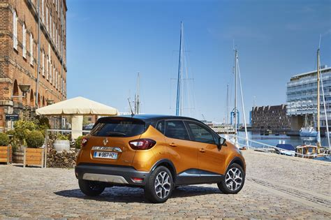 new renault captur 2017 2017 renault captur facelift gets extensive photo gallery