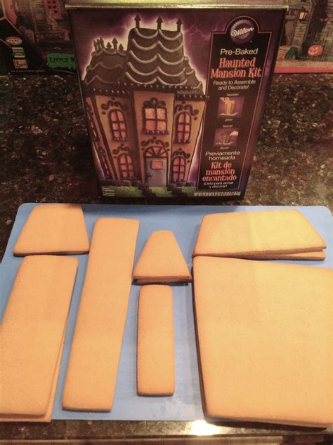 spooky gingerbread mansion tutorial cakecentralcom