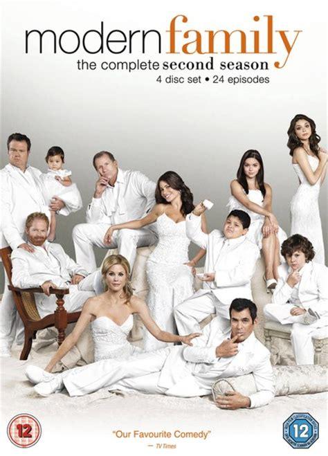modern family season 2 modern family season 2 dvd zavvi