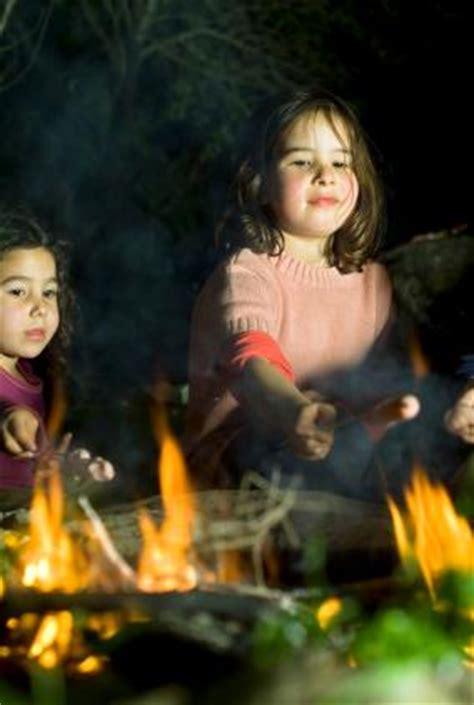 outdoor bonfire party games