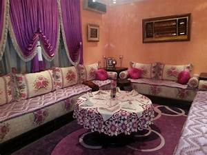 modeles de salon tapissier marocain decor salon marocain With tapis de gym avec surmatelas pour canape marocain