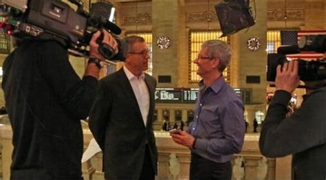 apple names jeff williams coo a once held by tim cook
