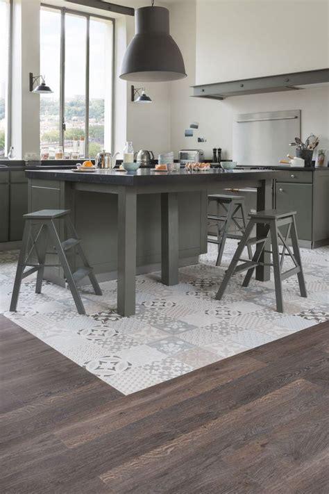 peut on coller du carrelage avec du ciment les 25 meilleures images de la cat 233 gorie rev 234 tement de sol de cuisine sur