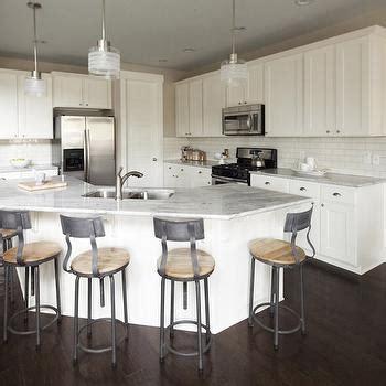 angled kitchen island designs angled kitchen island design ideas 4068