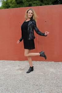 une robe noire deux possibilites une parenthese mode With robe et bottine