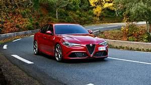 Alfa Romeo Giulia Quadrifoglio Occasion : alfa romeo giulia quadrifoglio video recensione dagli usa ~ Gottalentnigeria.com Avis de Voitures