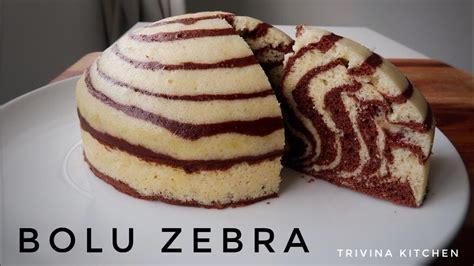 Biasanya, ketika membuat bolu kukus yang pembuatannya melihat resep kue kukus dari tangan handal, maka untuk mempersingkat waktu kamu oleh sebab itu, bagi kamu yang hendak membuat bolu kukus, dan ingin mencobanya tanpa harus repot menggunakan mixer maka cara ini bisa kamu. BOLU ZEBRA KUKUS 2 TELUR TANPA MIXER LEMBUT | ZEBRA STEAMED CAKE - YouTube
