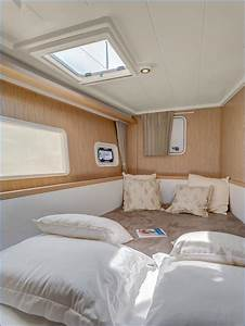 Lagoon 400 Catamaran Charter Greece Bareboat Crewed