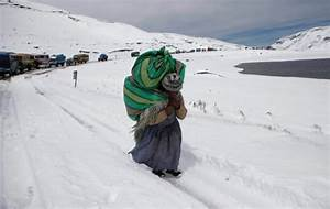 Snow, cold weather in the Andes kills 6 people, at least ...