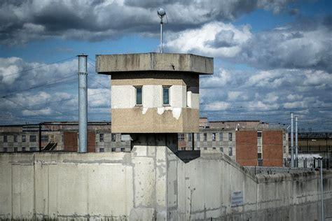 maison d arrt de villepinte la directrice de la prison de villepinte refuse d accueillir de nouveaux d 233 tenus la croix