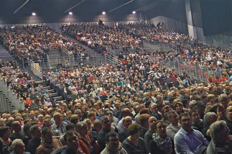 salle de concert macon m 226 con infos le web journal du m 226 connais m 194 con laurent gerra au spot quot faut rigoler quot