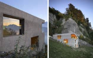 Beton Holz Fassade by Hillside Home Is Wood Frame Construction With Concrete Facade