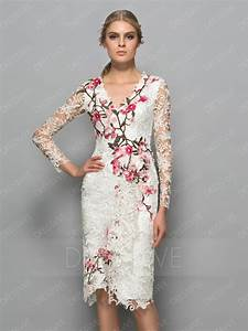fancy lace flowers v neck long sleeves knee length With robe de cocktail fourreau