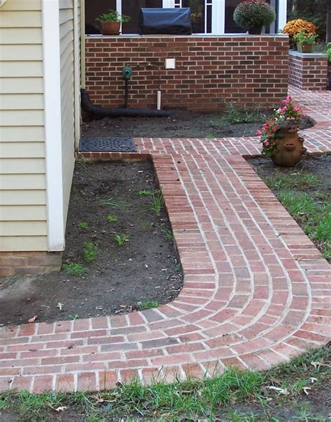 patterns for brick walkways i m getting ready to do a new brick walkway to my front door and this will probably be my