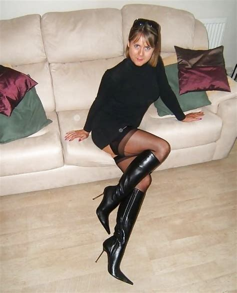 Girls In Leather Boots 25 Bilder