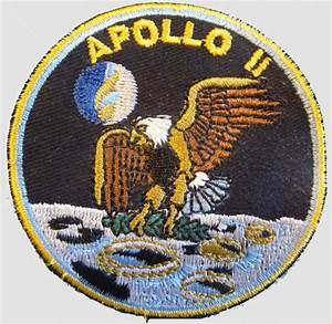 """Apollo 11 - 2 1/2"""" - Unknown maker 