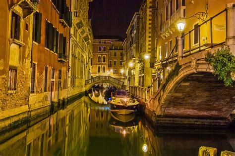 Epik Experience Shadows Of Venice Tour By Night