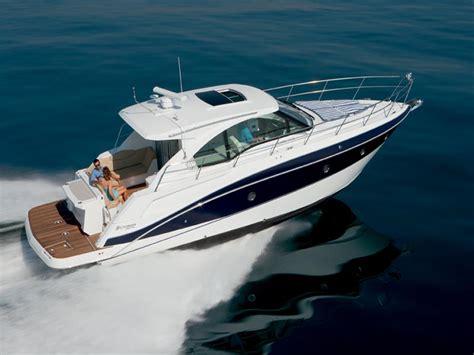 Fast Cruising Boats by Choosing The Express Cruiser Boats