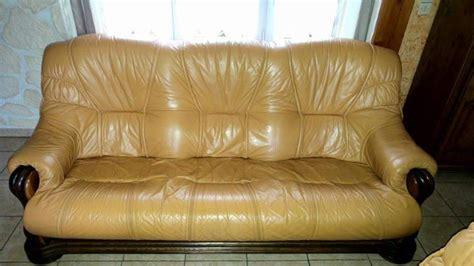 canapé plus fauteuil troc echange canapé 3 place en cuir plus 2 fauteuils sur
