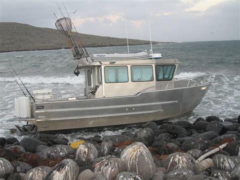 How To Resurface A Fiberglass Boat by Aluminum Vs Fiberglass Boats Bloodydecks