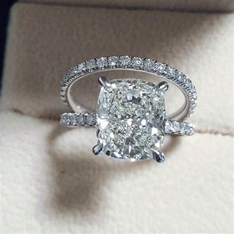 engagement ring from diamond mansion modwedding