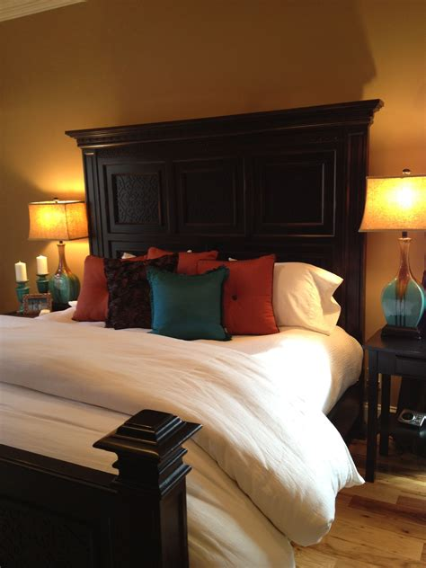 Turquoise And Orange Bedroom by White Bedding With Brown Burnt Orange And Turquoise