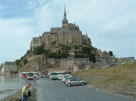 parking mont st michel file mont michel parking jpg wikimedia commons