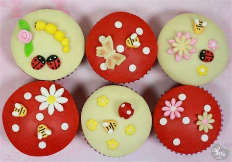cupcakes un air de printemps modelage f 233 erie cake blong